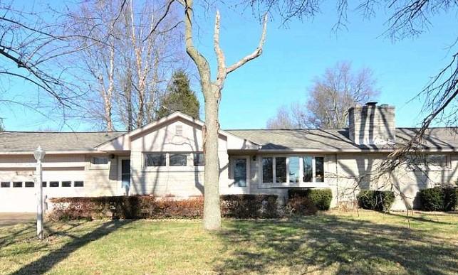 3436 Heckel Rd, Evansville, IN 47725 $185,000