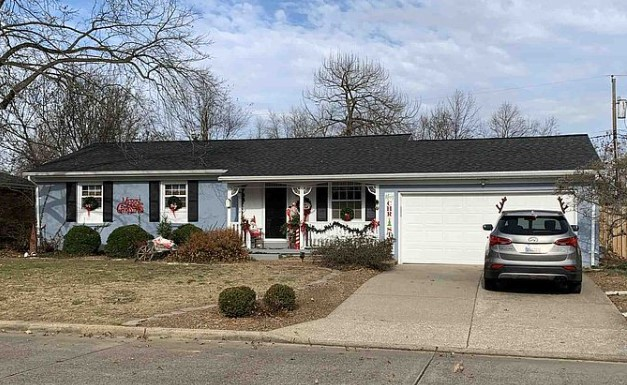 7516 E Mulberry St, Evansville, IN 47715 $219,900